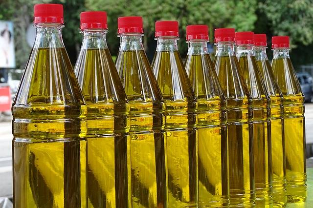 Purification of vegetable oil at agricultural facilities